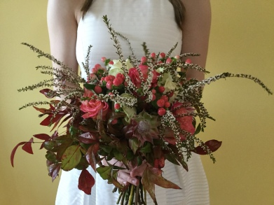 unstructured bridal bouquet autumn tones