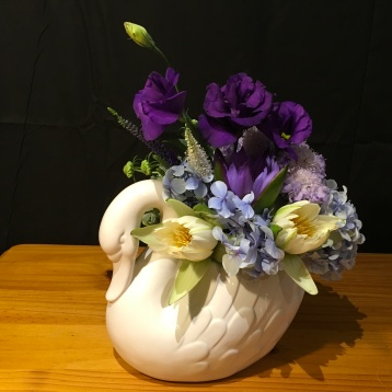 vintage china swan floral arrangement