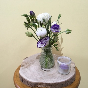 rustic wedding centrepiece purple and white flowers